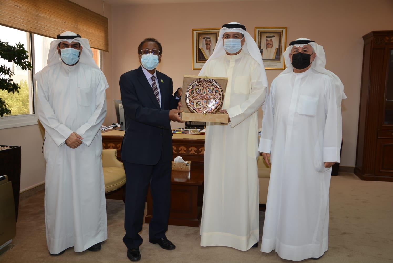 أمانة الأوقاف تبحث سبل التعاون مع سفير دولة جيبوتي في الكويت