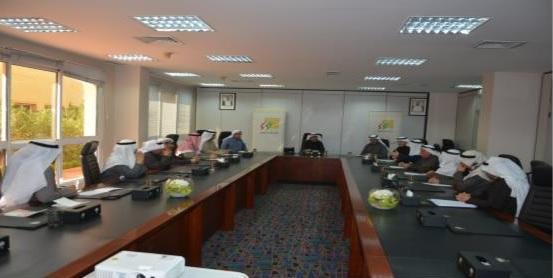 لقاء مع مع السادة أعضاء اللجنة الاستشارية واللجنة الشرعية لإدارة الوقف الجعفري